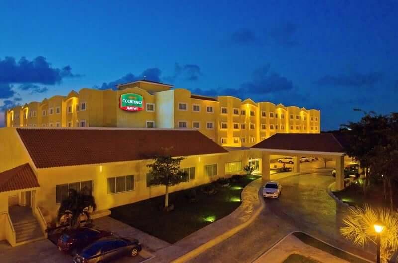 Hotel Courtyard em Cancún