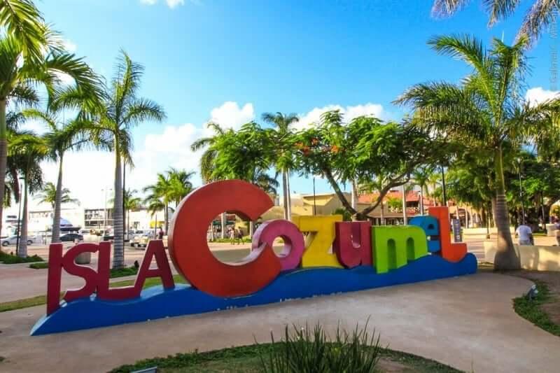 Comércio e entretenimento na Ilha de Cozumel em Cancún