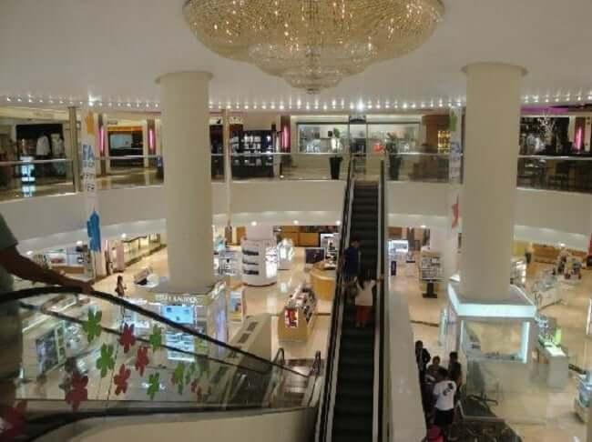 Lojas no Shopping Plaza Kukulcan em Cancún