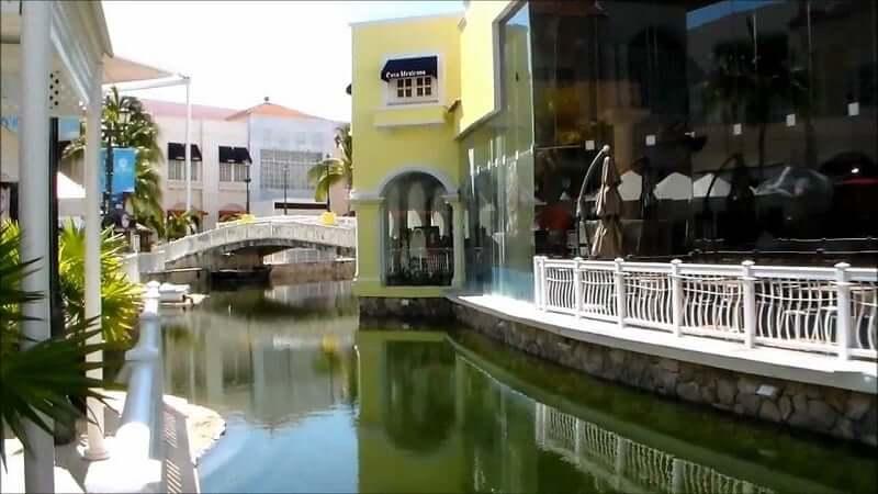 Compras no Shopping La Isla em Cancún