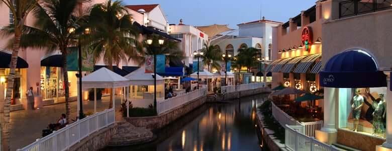Lojas no Shopping La Isla em Cancún