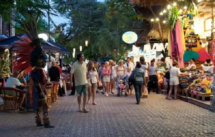 Compras na Avenida Tulum em Cancún