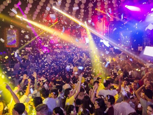 Bar e balada Mandala em Cancún