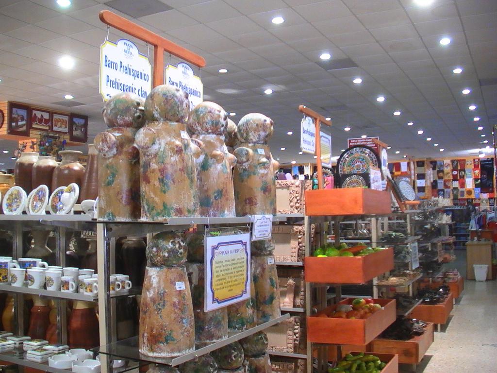 Produtos na Plaza La Fiesta Mexican Outlet em Cancún