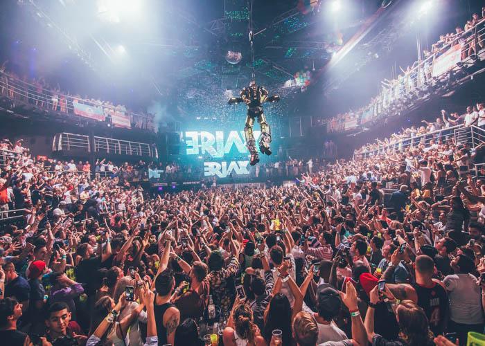 Festas na balada The City em Cancún