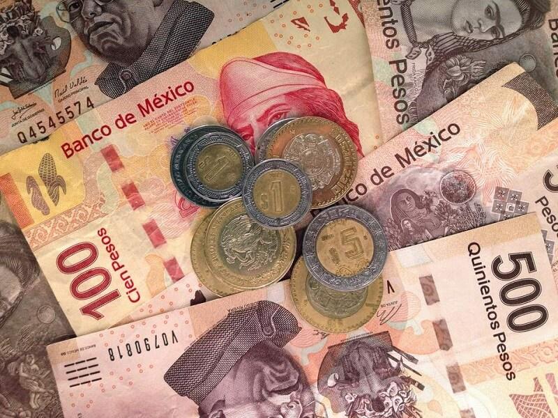 Economia nos dólares e pesos em Tulum no México