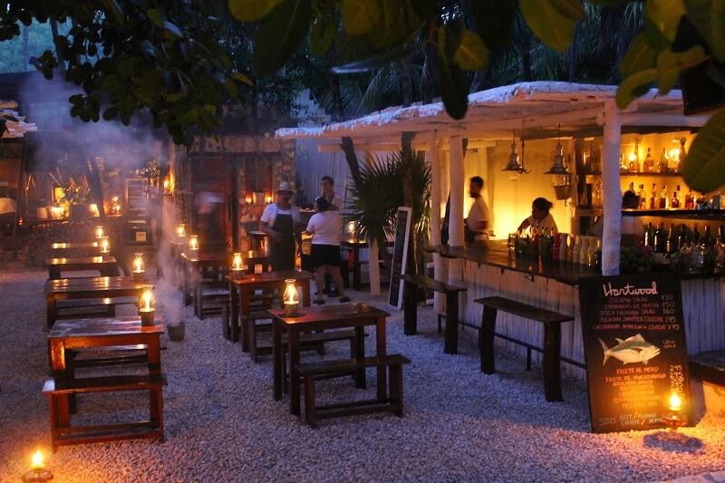 Restaurante Hartwood para curtir na noite em Tulum
