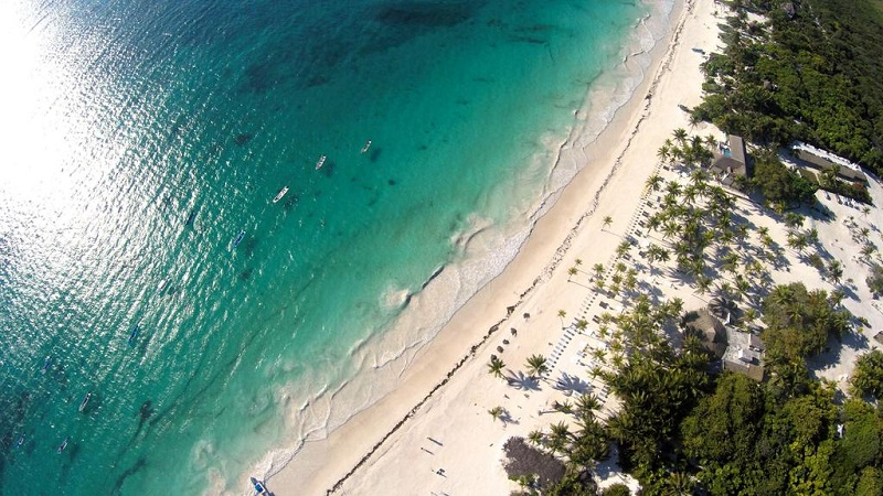 Trecho de praias das ruínas de Tulum