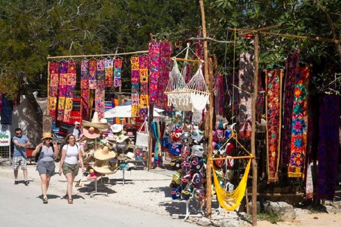 Compras de lembrancinhas e souvenirs nas tendas e feiras em Tulum