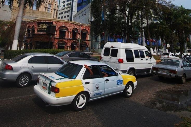 Andar de táxi em Acapulco