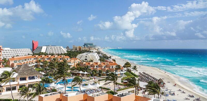 Cancún em março