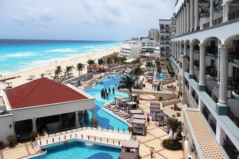 Movimentação de turistas e hospedagens no mês de julho em Cancún