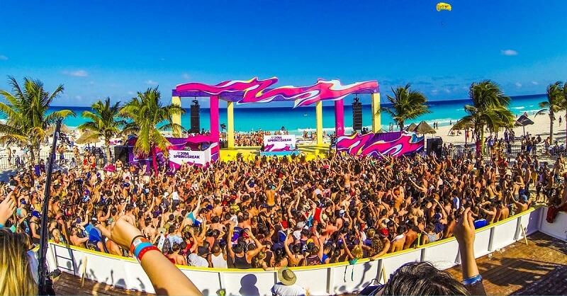 Movimentação de turistas no mês de março em Cancún