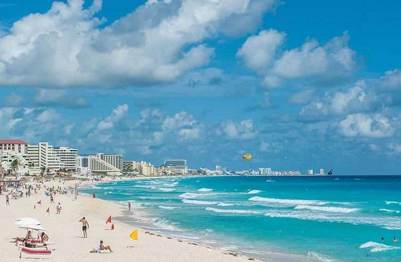 Movimentação de turistas e hospedagens no mês de dezembro em Cancún
