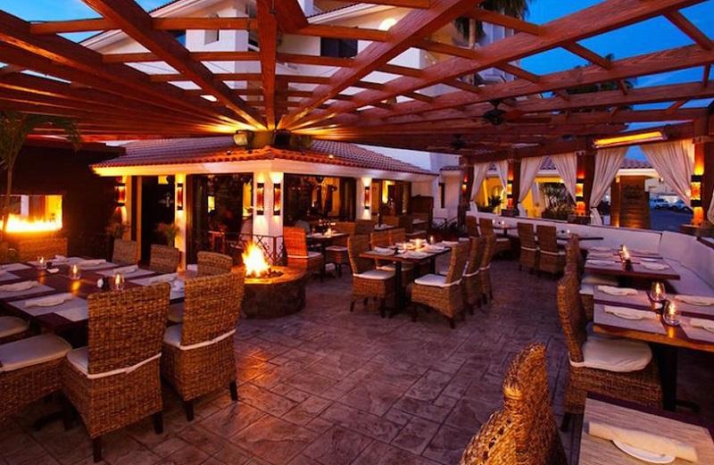Estrutura do bar Esquina em Los Cabos