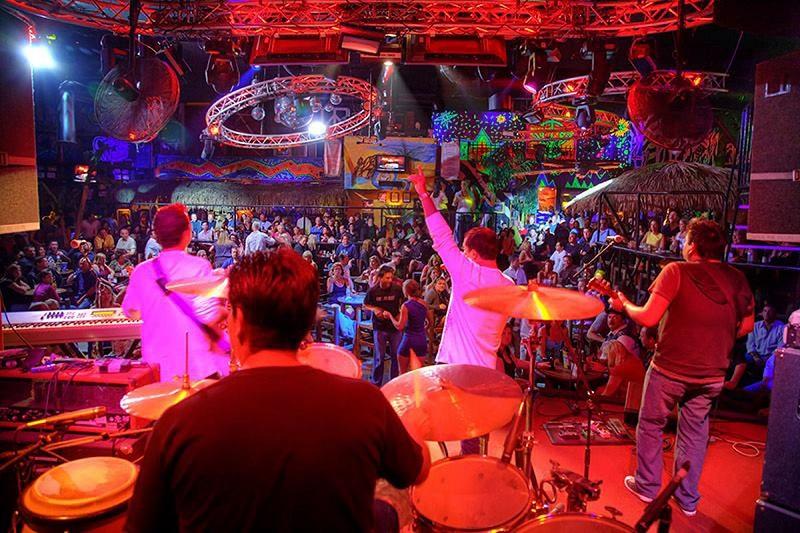Música ao vivo na Wabo Cabo em Los Cabos
