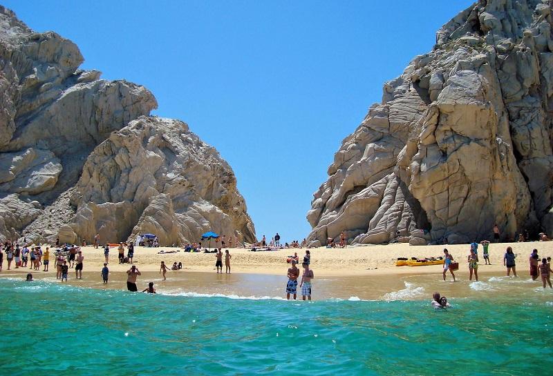 Visitando a praia Lover's Beach em Los Cabos