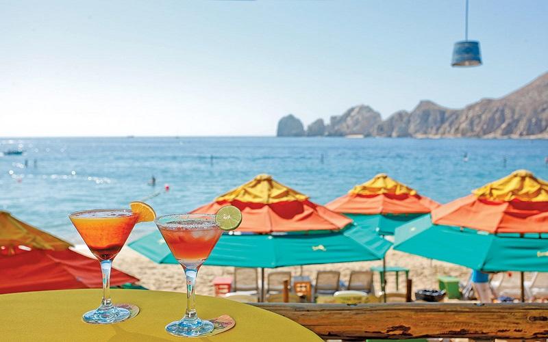 Drinks no Mango Deck Restaurant, Bar & Beach Club em Los Cabos
