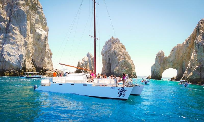 Passeio de barco ou catamarã com crianças em Los Cabos