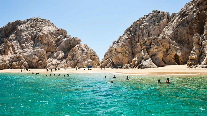 Lover's Beach no Corredor Turístico