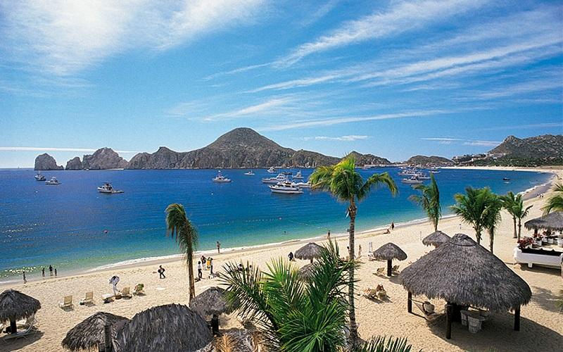Playa Medano em um roteiro de viagem em Los Cabos