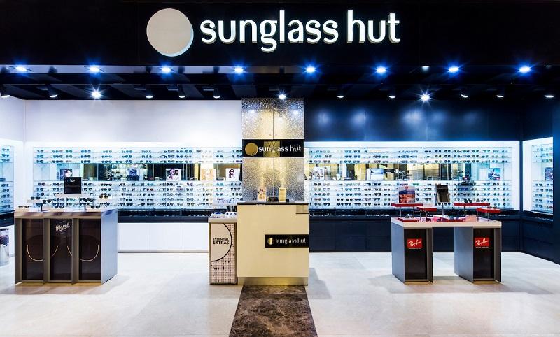 Loja Sunglass Hut para comprar óculos no Puerto Paraiso Mall Los Cabos