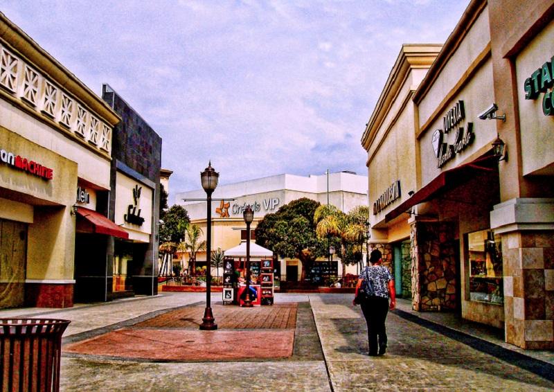 Passeio pelo Shopping Plaza Río Tijuana em Tijuana