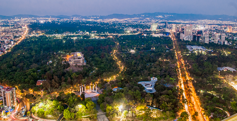 Noite no Bosque Chapultepec na Cidade do México